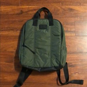 UNDERARMOUR backpack green